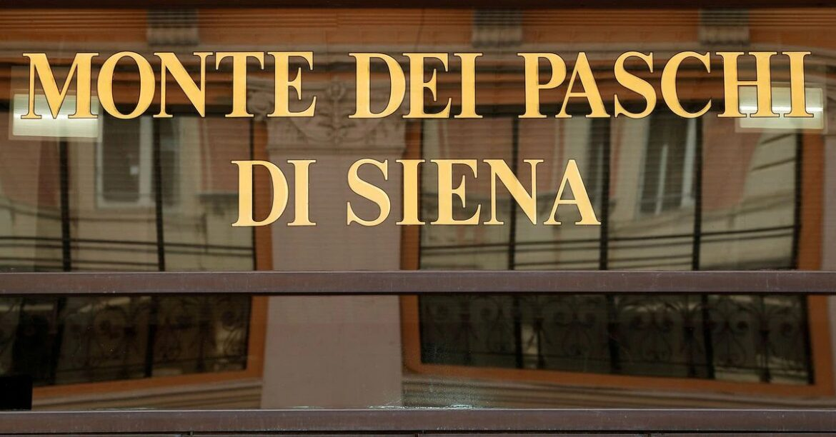 Monte dei Paschi job cuts will all be voluntary, union says